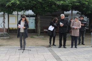 """Frau Guttman, Leiterin der Projektgruppe """"Judentum im Kraichgau"""" hielt die Ansprache."""